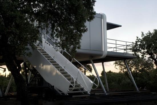 Escada e porta pantográfica - Laguna