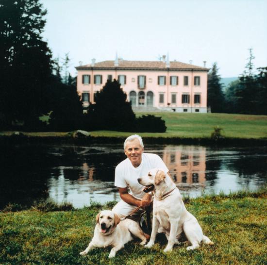 Giorgio Armani em Broni - Laguna