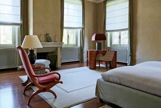 Quarto Residência de Giorgio Armani - Laguna