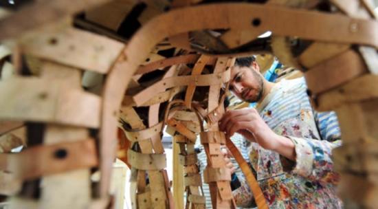 Estrutura Interna Arte sustentável de Henrique Oliveira - Laguna