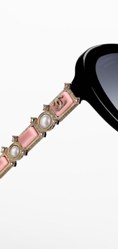 1ff870f0f Óculos Chanel com inspiração nas flores - Laguna Haste decorada Chanel  Bijou 2016 - Laguna