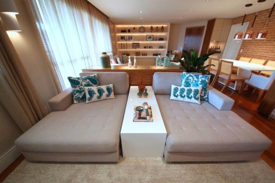 Sala de TV moderna e confortável - Laguna