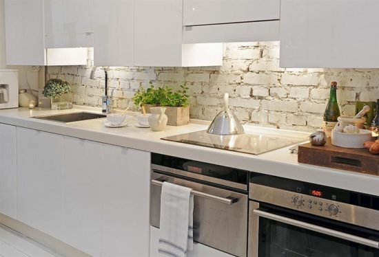 Cozinha branca com tijolinhos - Laguna