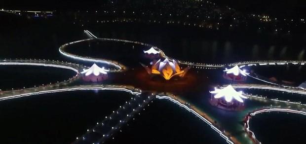 China inaugura passarela flutuante - Laguna