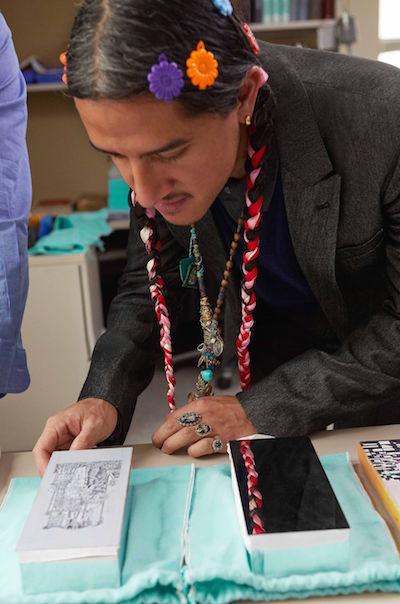 Artesãos da Tiffany & Co. criam obras de arte - Construtora Laguna