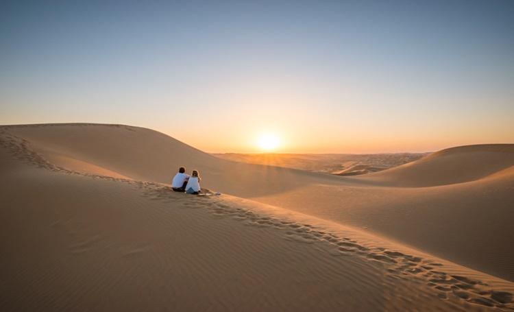 6 destinos românticos que fogem do clichê - Emirados Árabes - Construtora Laguna