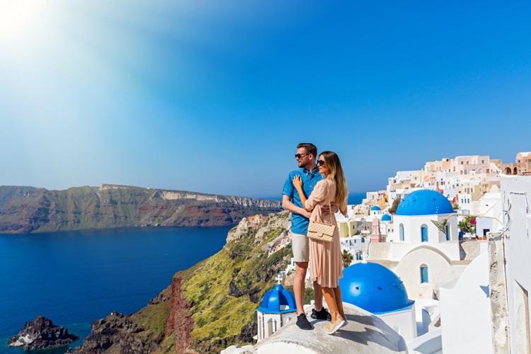 6 destinos românticos que fogem do clichê - Grécia - Construtora Laguna