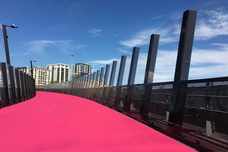 Conheça 6 das passarelas de pedestres mais impressionantes do mundo - Nova Zelândia - Construtora Laguna