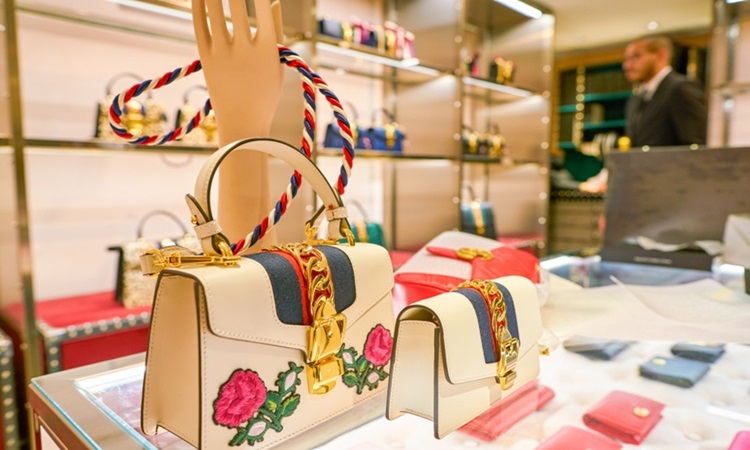 62f94f86c44 As 10 marcas mais valiosas do mercado de luxo no mundo - Gucci -  Construtora Laguna