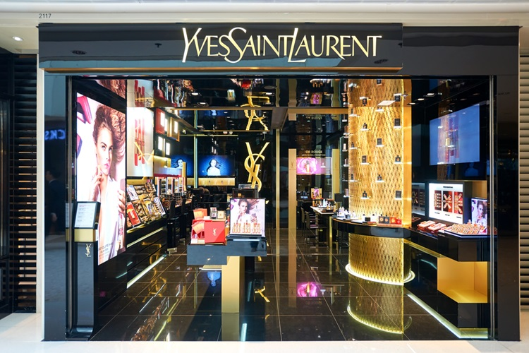 acc86cc365e As 10 marcas mais valiosas do mercado de luxo no mundo - Yves Saint Laurent  -