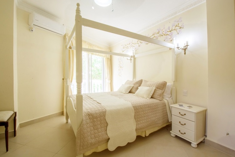 Do clássico ao moderno, confira camas com dossel - clássico -Construtora Laguna