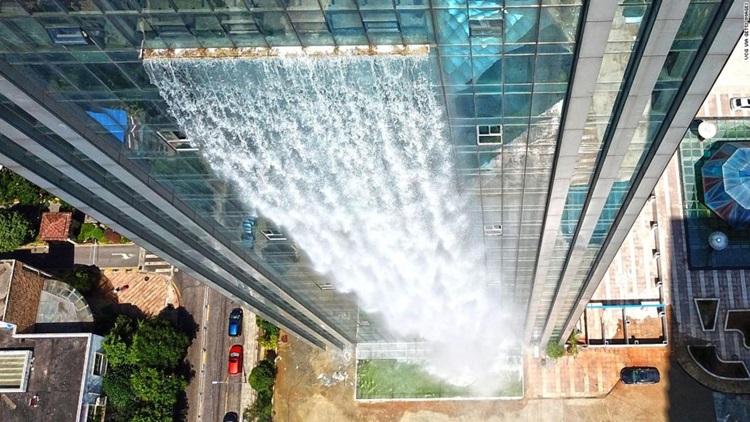 Maior cachoeira artificial do mundo fica na China - Construtora Laguna