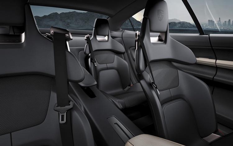Taycan, o primeiro carro 100% elétrico da Porsche - Interior - Construtora Laguna