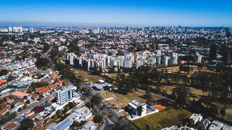 Bairro Cabral une comodidade urbana e contato com a natureza - Construtora Laguna