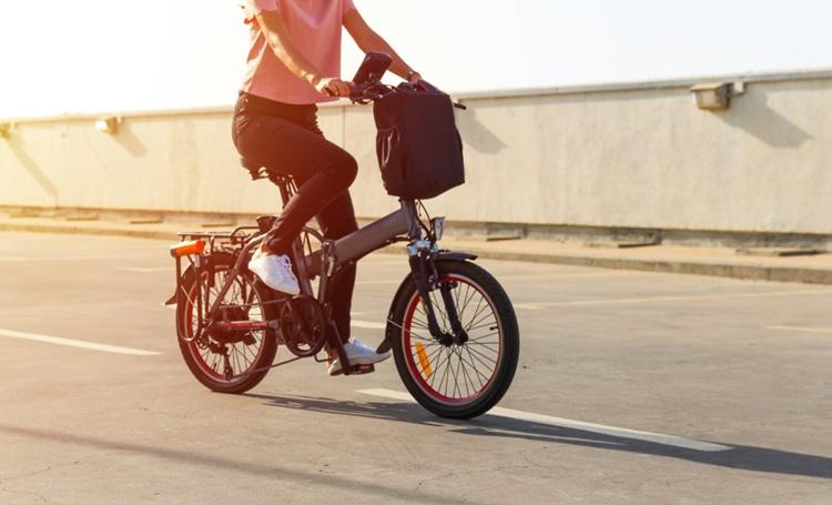 Bicicletas elétricas conquistam espaço em grandes cidades - Construtora Laguna