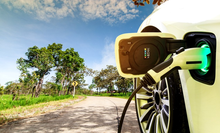 Noruega pretende vender apenas carros elétricos e híbridos a partir de 2025 - Construtora Laguna