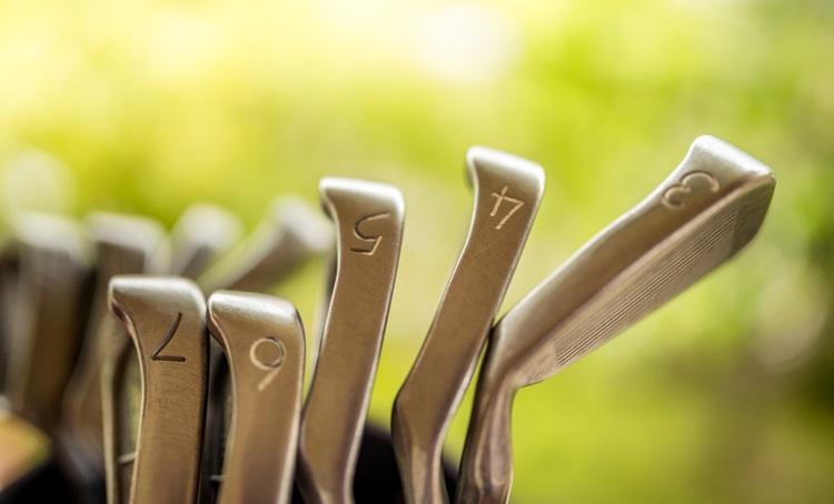 No golfe, jogadas específicas exigem modelos de tacos diferentes - Construtora Laguna