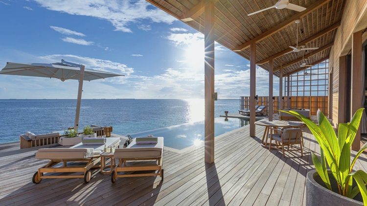Placas fotovoltaicas são evidenciadas em arquitetura de novo resort de luxo sustentável nas Maldivas - Construtora Laguna