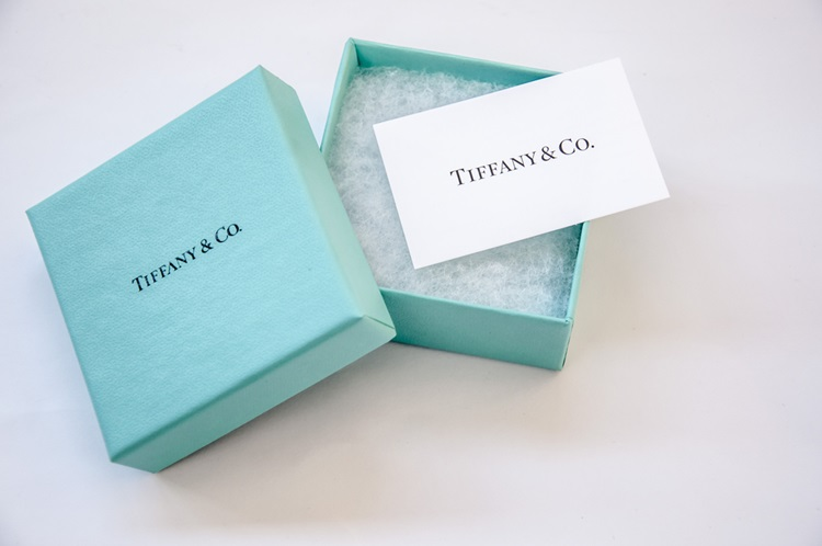 Buscando transparência, Tiffany divulga a origem de seus diamantes - Construtora Laguna