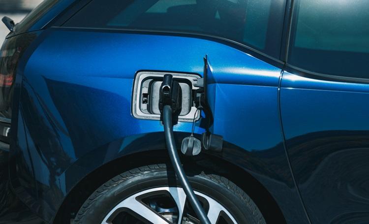 Paraná é o primeiro estado brasileiro a isentar impostos para carros elétricos - Construtora Laguna