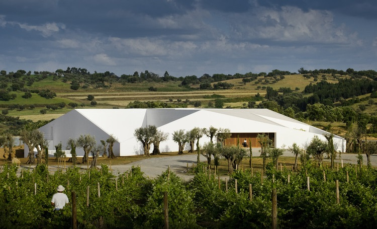 Conheça destinos internacionais que unem bom vinho, arquitetura e natureza - Construtora Laguna