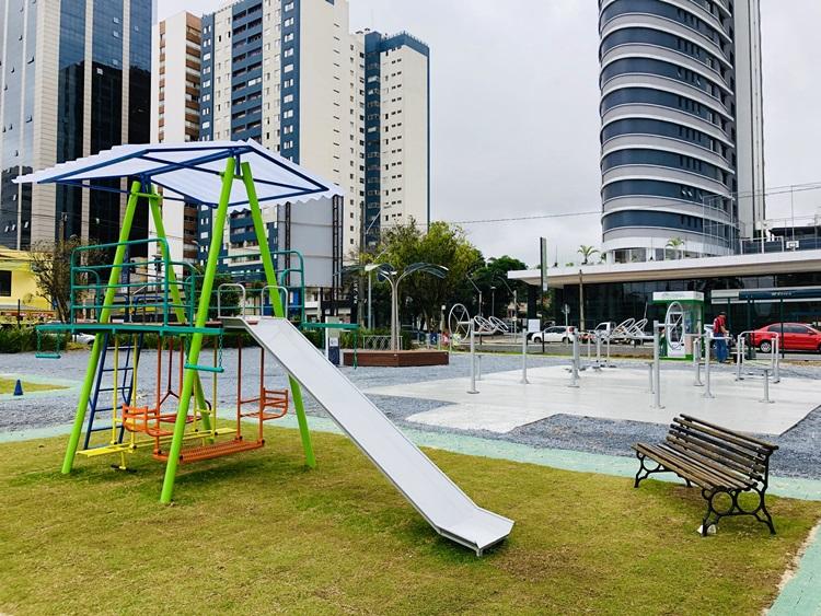 Com OPTree , Praça de Convivência Laguna tem tecnologia, design e sustentabilidade - Construtora Laguna