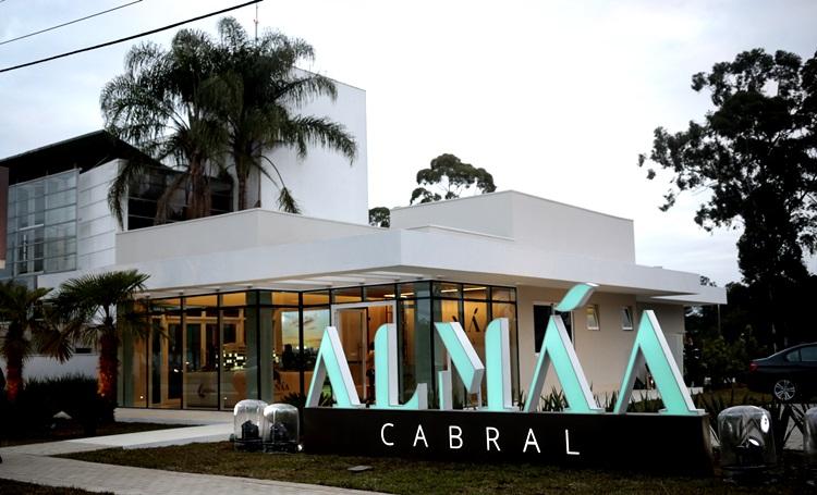 Laguna lança decorado do ALMÁA Cabral em evento com plataforma elevada e tour interativo - Construtora Laguna
