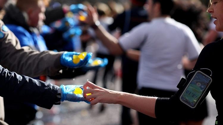 Maratona de Londres utiliza cápsula comestível em alternativa à garrafa plástica - Construtora Laguna