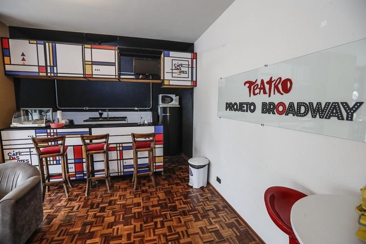 Novo teatro em Curitiba incentiva a cultura de musicais - Construtora Laguna