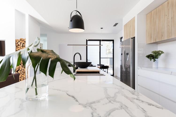 Saiba como escolher o melhor material para a bancada da sua cozinha - Construtora Laguna