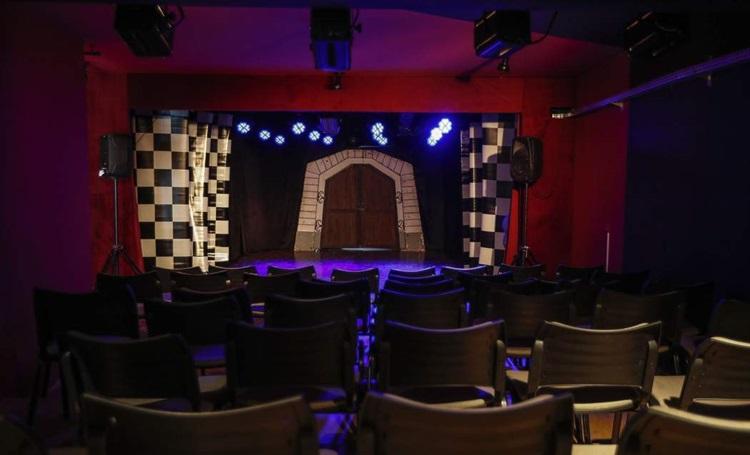 Teatro Projeto Broadway incentiva a cultura de musicais em Curitiba - Construtora Laguna