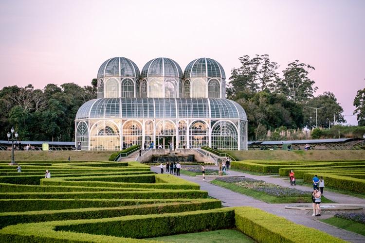 Curitiba é a capital com mais colaborações no Google Maps - Construtora Laguna