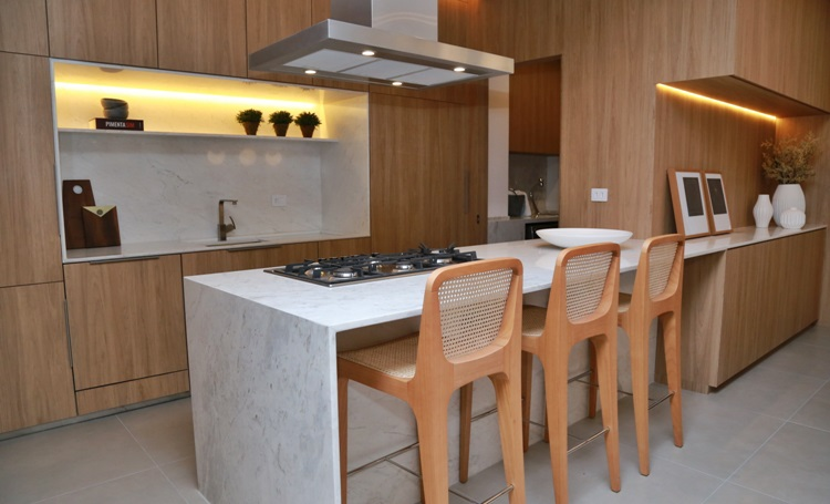 Evento marca a inauguração do apartamento decorado do ROC Batel, residencial que integra os moradores com o bairro - Construtora Laguna