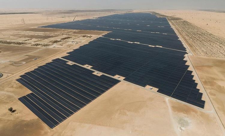 Emirados Árabes Unidos inauguram a maior fazenda solar do mundo - Construtora Laguna