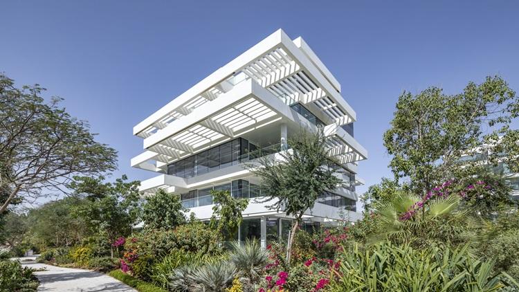 Conheça o Ashjar at Al Barari, projeto que serviu como influência arquitetônica para o ALMÁA Cabral - Construtora Laguna