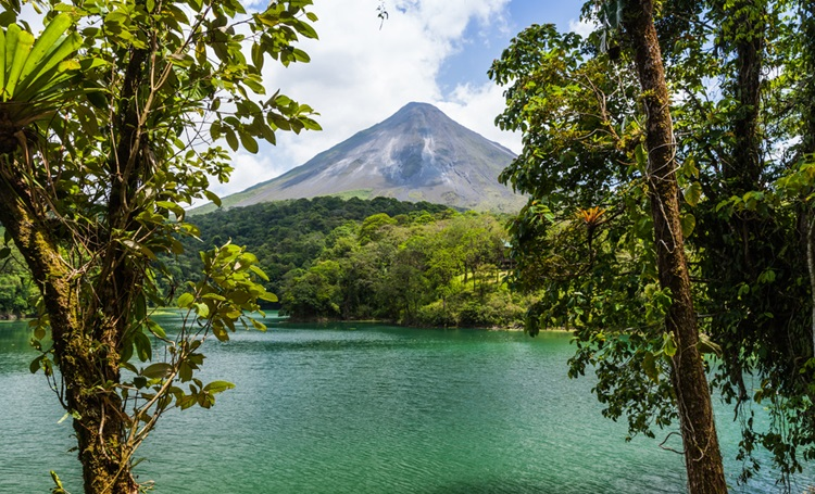 Costa Rica busca se tornar neutra em carbono e eliminar o plástico descartável - Construtora Laguna