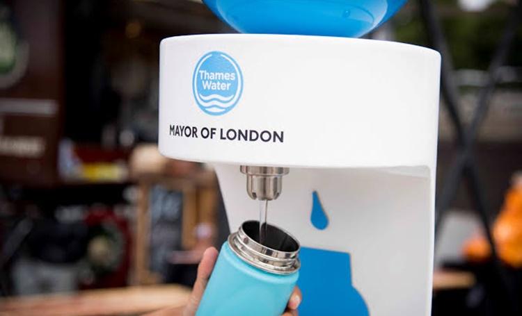 Para reduzir o uso de garrafas plásticas descartáveis, Londres instala bebedouros pela cidade - Construtora Laguna