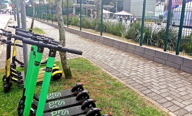 Bicicletas e patinetes elétricos compartilhados percorrem 160 mil km por mês em Curitiba - Construtora Laguna