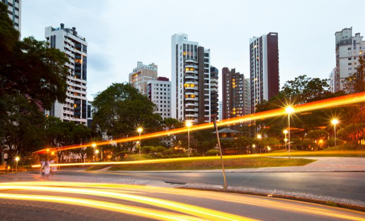 Cabine de desinfecção é adaptada em Curitiba - Construtora Laguna