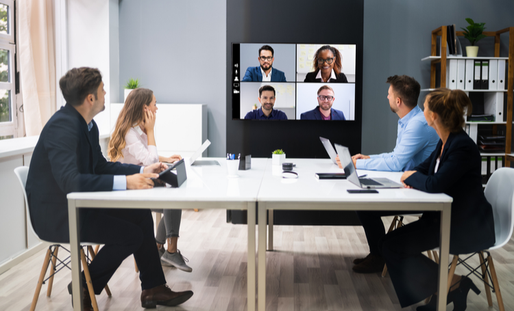 Reuniões remotas na reconfiguração dos workplaces – LAGUNA